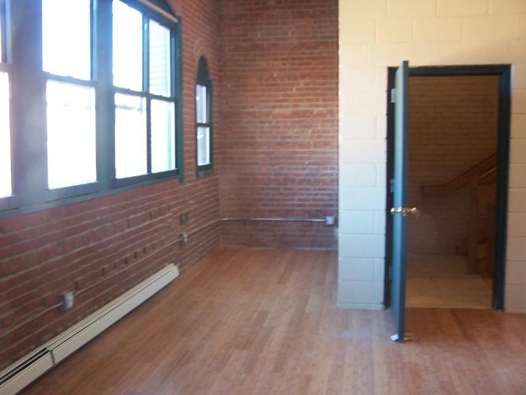 Apartment unit loft c at 66 washington street paterson for Fish market paterson nj