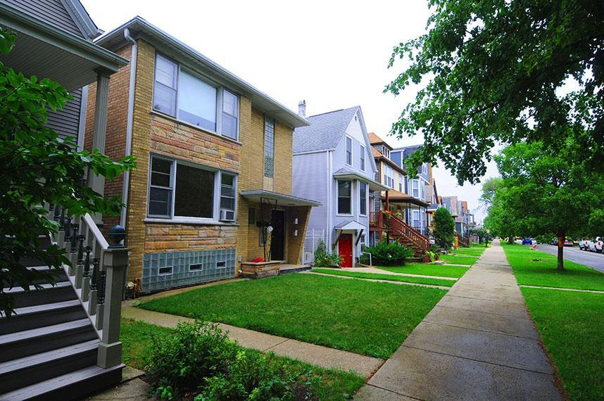 3816 N Drake Avenue, Chicago, IL 60618   HotPads