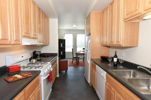 Oakwood Shores Apartments Photo 1