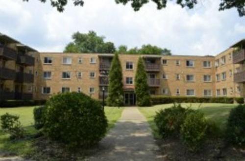 Shamrock Apartments Photo 1