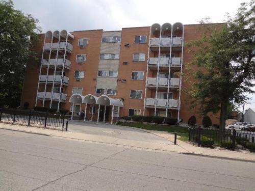 8018 S Hoyne Avenue #18 Photo 1