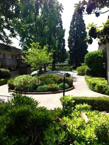 Hacienda Apartments Photo 1