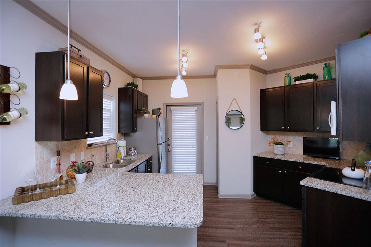 the essex apartments overland park ks