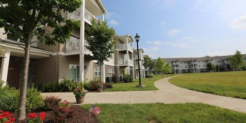 Schuyler Commons at Colonial Square - Senior Living Photo 1