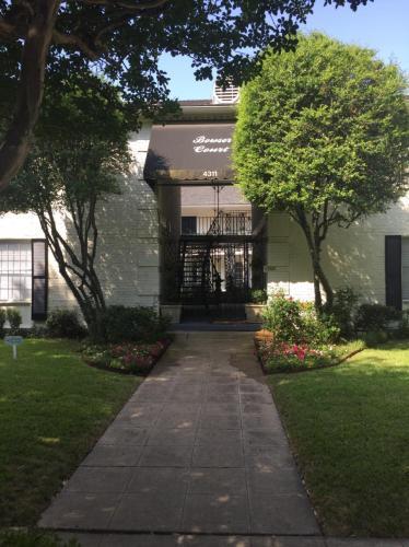 4311 Bowser Avenue Photo 1