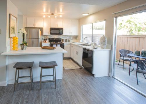 Sunset Gardens Photo 1
