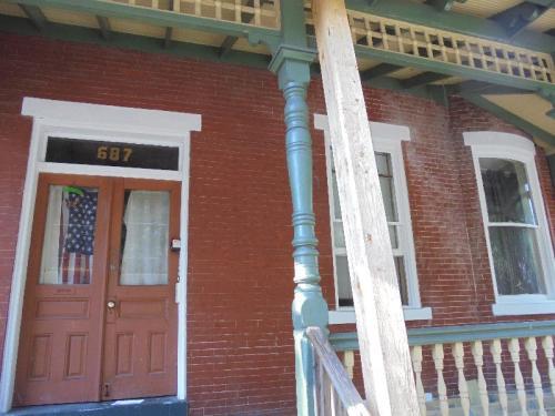 687 Walnut St #3 Photo 1