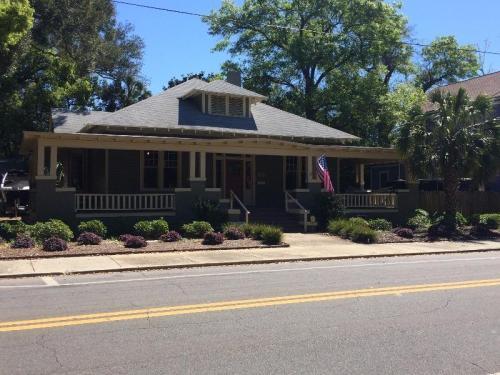 710 N Spring Street Photo 1