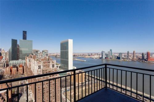 New York Tower Photo 1
