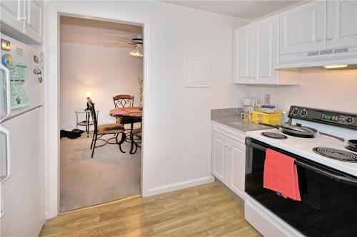 Eli Whitney Apartments Photo 1