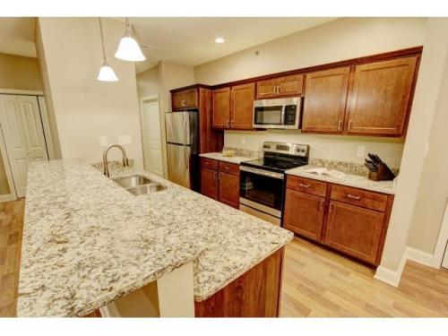 Mill Hollow Luxury Apartments Photo 1