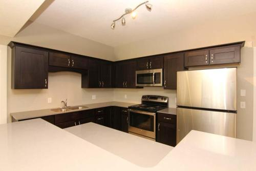 La Riviere Condominiums Photo 1