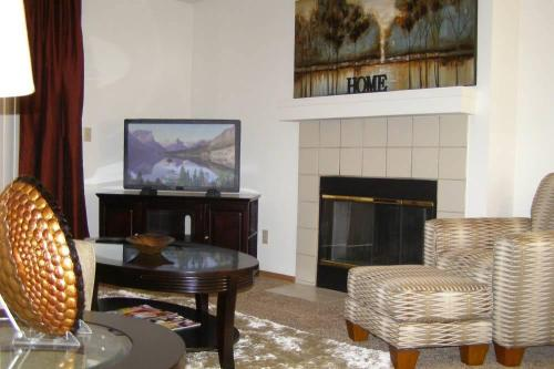 Huntington Park Apartments Photo 1