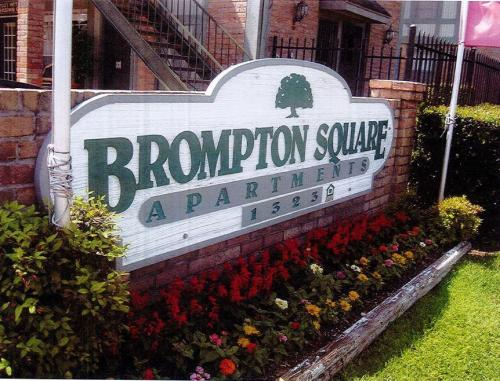 Brompton Square Photo 1