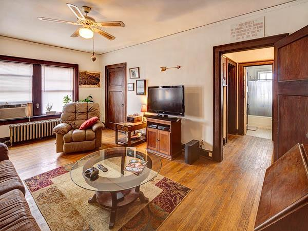 Ious Apartment With High Ceilings Historic Character 320 Street