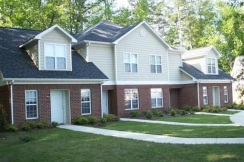 Taylors Pond Townhomes Photo 1