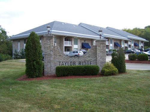 Taylor Ridge Apartments Photo 1