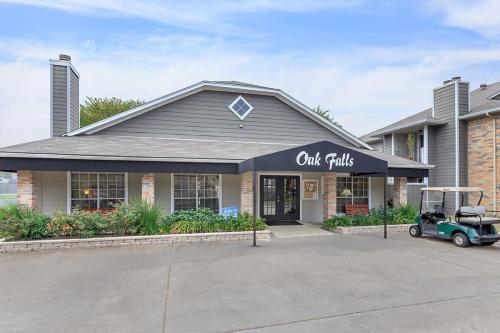 Oak Falls Photo 1