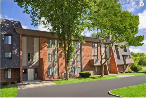 Landmark Apartments Photo 1