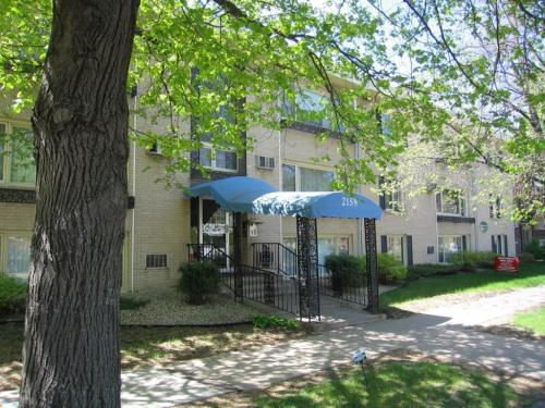 Grand Place Apartments in St. Paul Photo 1