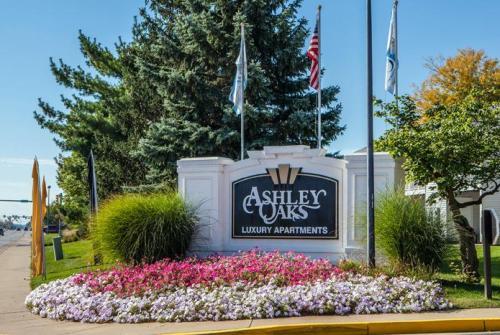 Ashley Oaks Photo 1