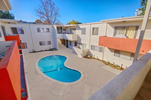 Jordan Tropicana Apartment Homes Photo 1