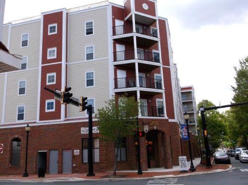 Bayard Plaza Photo 1