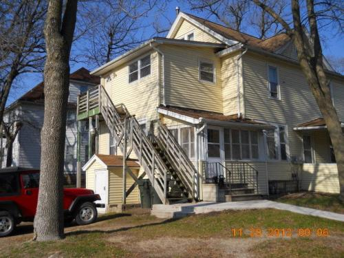 2403 B Walnut Street Photo 1