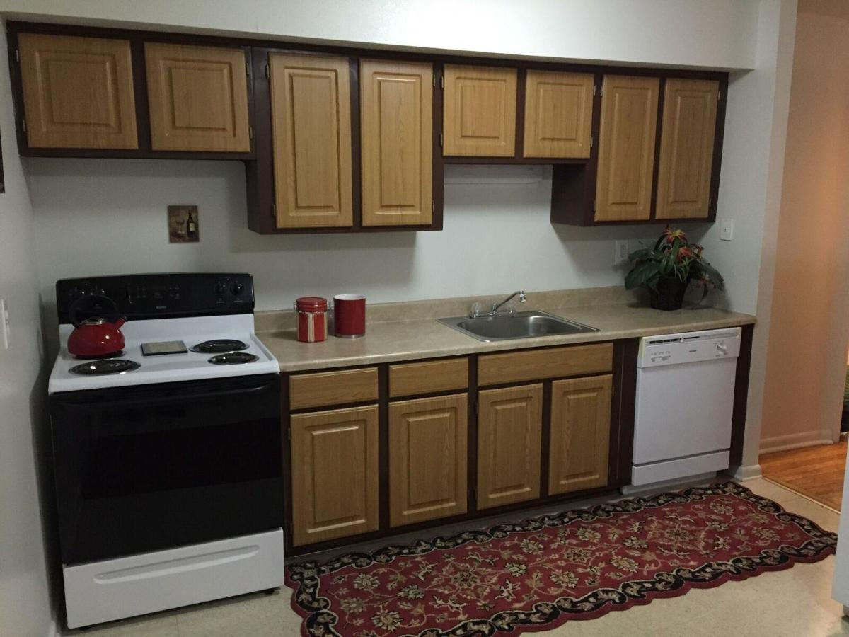 Kitchen cabinets middletown ct - Hanover Towers 55 Community At 76 Butler Street Meriden Ct 06450 Hotpads