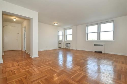 The Mayfair Apartments Photo 1