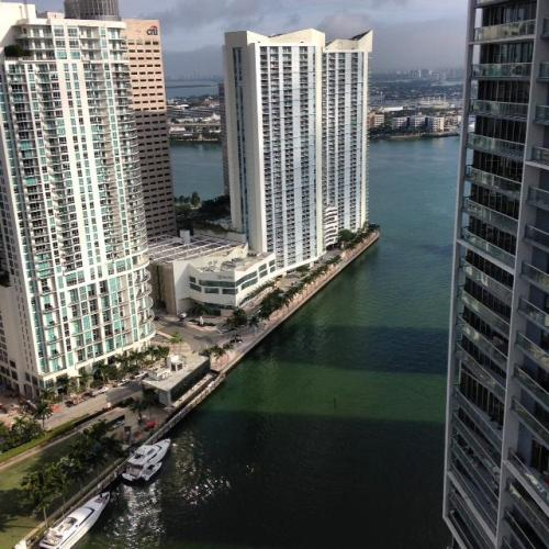 475 Brickell Ave Photo 1