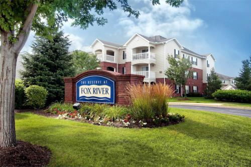 Reserve At Fox River Apartments Photo 1