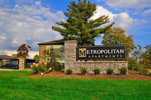 The Metropolitan Photo 1