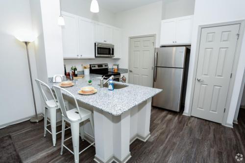 Sterling King Apartments Photo 1