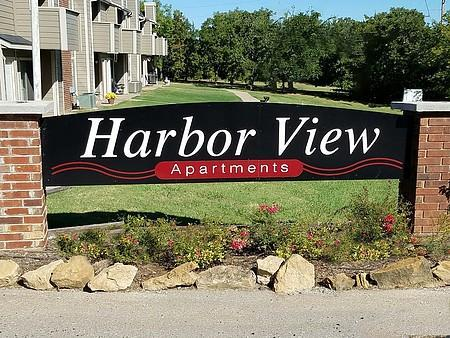 Harbor View Apartments Photo 1