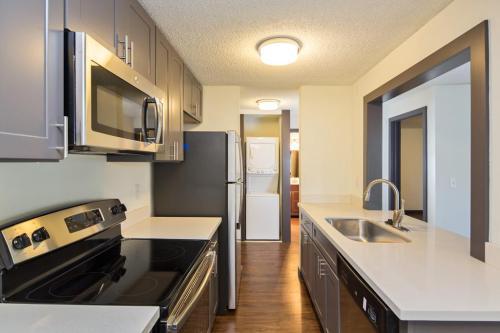 Greenwood Melrose Apartments Photo 1