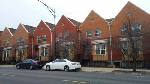 10513 S Michigan Avenue Photo 1