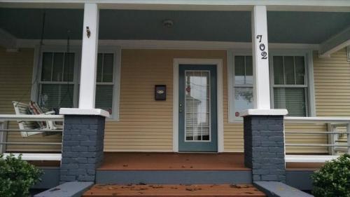 702 E Edenton Street Photo 1