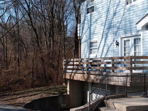 Guion Creek Apartments Photo 1
