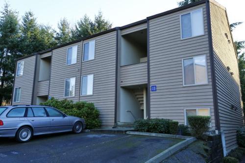 Kenmore Village Apartments Photo 1