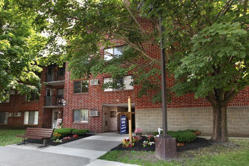 Saratoga Place Photo 1