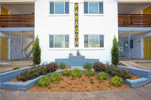 Paragon Apartment Homes Photo 1