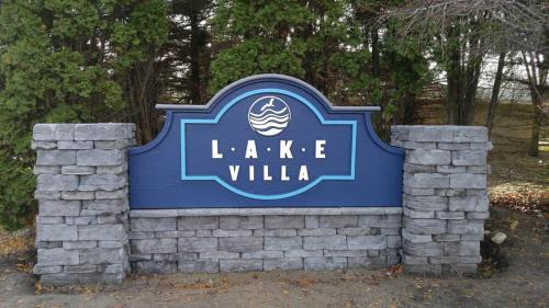 Lake Villa Photo 1