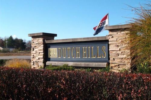 Dutch Hills Photo 1