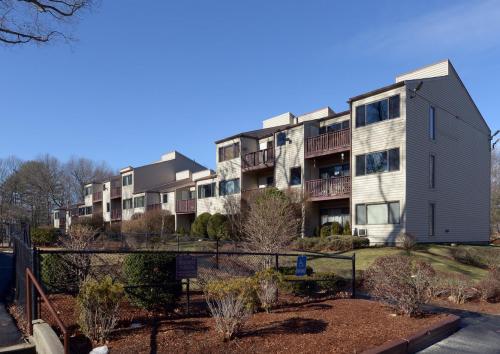 Oakwood Apartment Homes Photo 1