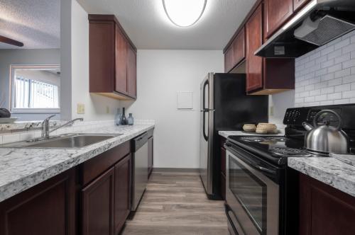 Solana Apartments Photo 1