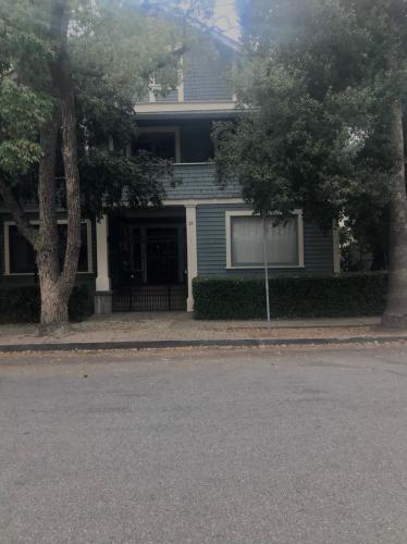 29 Marion Avenue #4 Photo 1