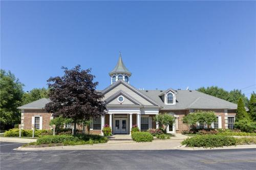 Dwell at Naperville Photo 1