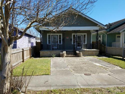 3913 Franklin Avenue Photo 1