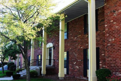 Cambridge Square North Apartments - 55+ Senior Community Photo 1